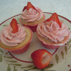 Real Strawberry Cupcakes and Strawberry Buttercream