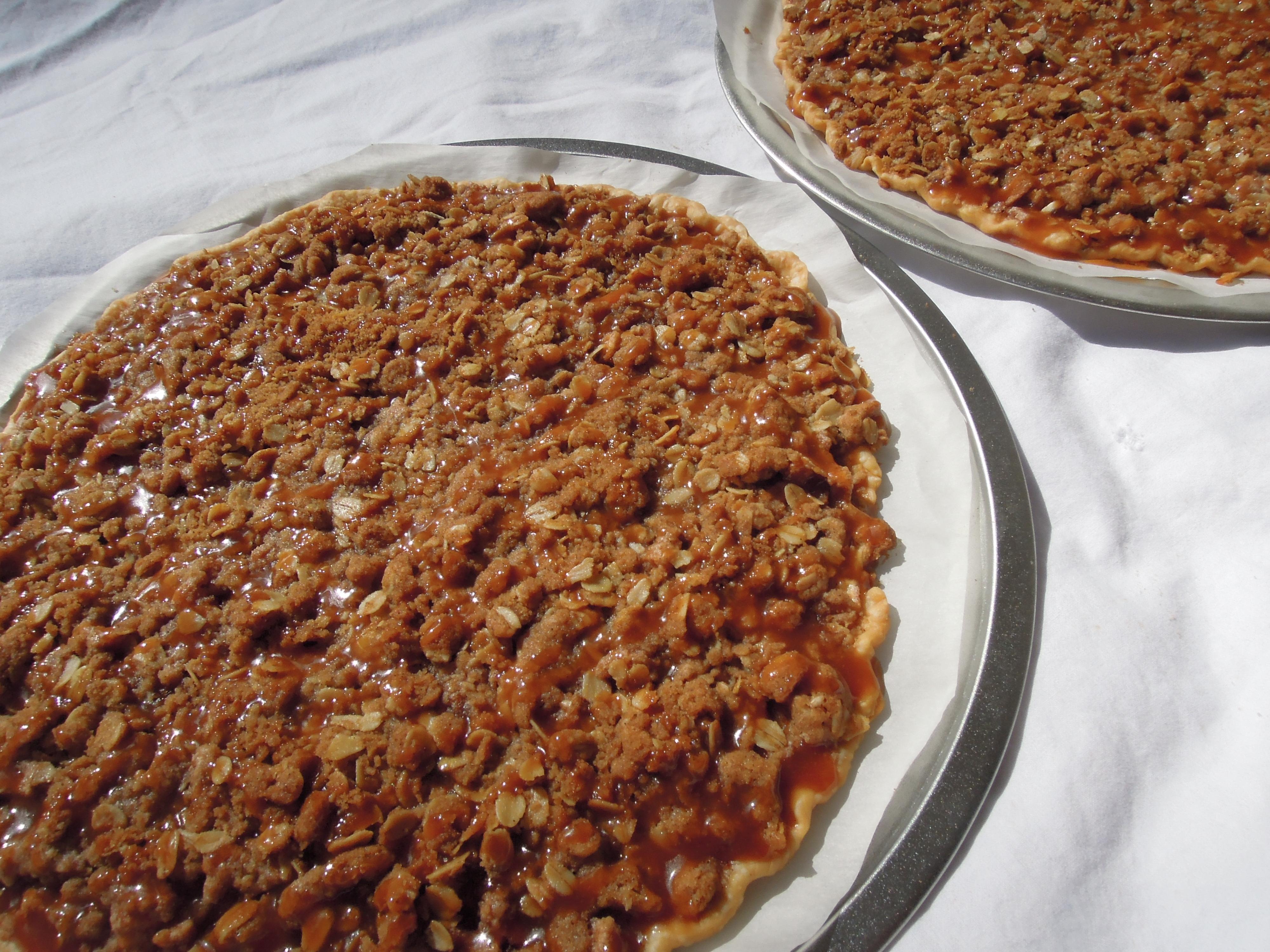 apple crisp pizza 3